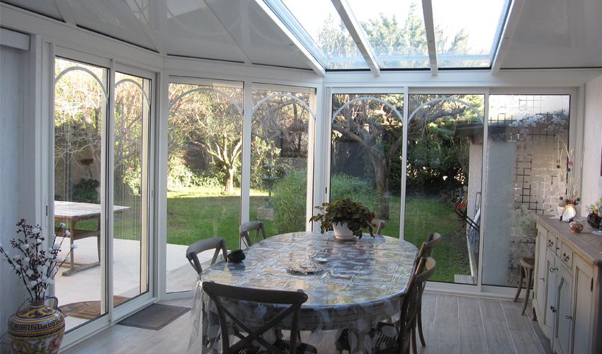 des astuces pour la d coration int rieure d coration bien choisir la toiture pour sa v randa. Black Bedroom Furniture Sets. Home Design Ideas
