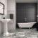 Choisir des carreaux noirs et blancs dans une salle de bain chic